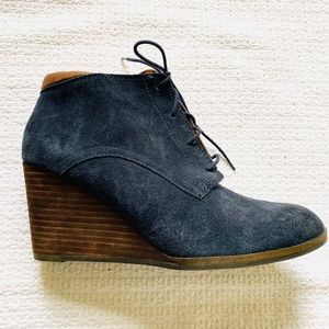 Lucky brand navy heeled booties